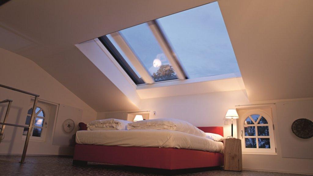 Roto-Azuro-Wohndachfenster